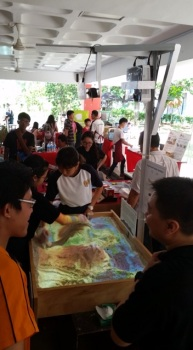 Kinect controlled light projected topology table by Temasek Secondary School